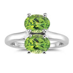 2.50 Cts of 8x6 mm AAA Oval Peridot Ring in Silver