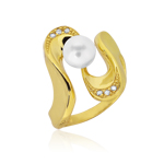 Cubic Zircon & Pearl Ring in 14K Yellow Gold