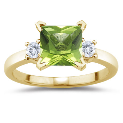 0.20 Cts Diamond & 0.71 Cts Peridot Ring in 14K Yellow Gold