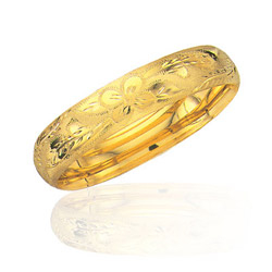 Classic Flower Bangle in 14K Yellow Gold