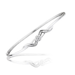 0.44-0.49 Cts  SI2 - I1 clarity and I-J color Diamond Bangle Bracelet in 18K White Gold