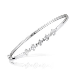 0.43-0.50 Cts  SI2 - I1 clarity and I-J color Diamond Bangle in 18K White Gold
