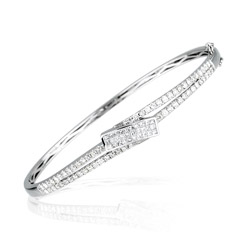 1.70-1.75 Cts  SI2 - I1 clarity and I-J color Diamond Bangle Bracelet in 18K White Gold