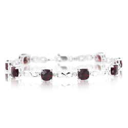 0.01 Cts Diamond & 9.64 Cts Cush Check Garnet Bracelet- 14K White Gold