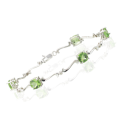0.03 Cts Diamond & 5.10 Cts Peridot Bracelet in 14K White Gold